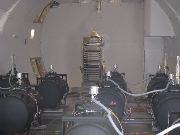 58cebdad 44eb 4f10 9008 78508082e249 20120720 172942 Inside a Chemtrail Plane   Amazing Photos