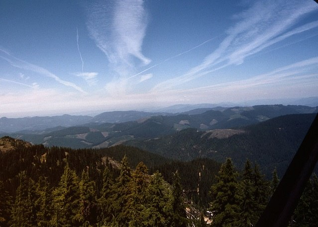 http://contrailscience.com/skitch/Contrails_over_OR_%281990%29_%7C_Flickr_-_Photo_Sharing%21-20101107-082722.jpg