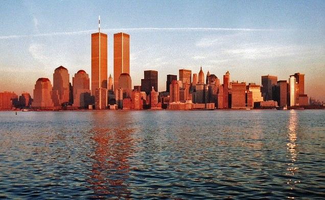 http://contrailscience.com/skitch/Manhattan_Sunset_%7C_Flickr_-_Photo_Sharing%21-20101107-084304.jpg