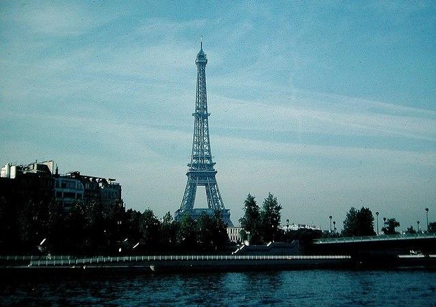 http://contrailscience.com/skitch/Paris_%7C_Flickr_-_Photo_Sharing%21-20101107-082429.jpg