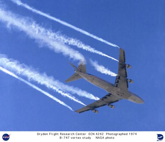 Chemtrails : Un météorologue américain confirme les épandages mondiaux Ecn-4242w