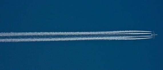 A typical exhaust contrail
